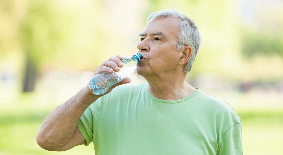 Такое состояние может быть связано с физиологическими причинами, например, большим количеством выпитой жидкости